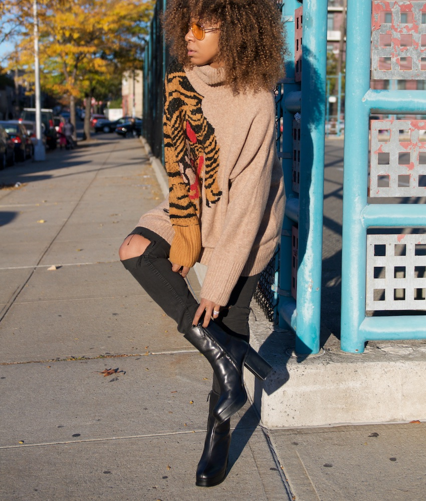 black boots, ankle boots, platforms, platform boots, fashion bloggers, bloggers, tiger sweater, aviators