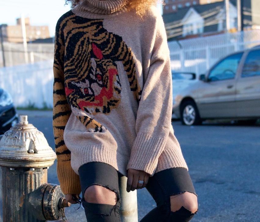 sweaters, tiger sweater, gucci water, slouchy sweaters, fashion bloggers, denim, black skinny jeans, skinny jeans