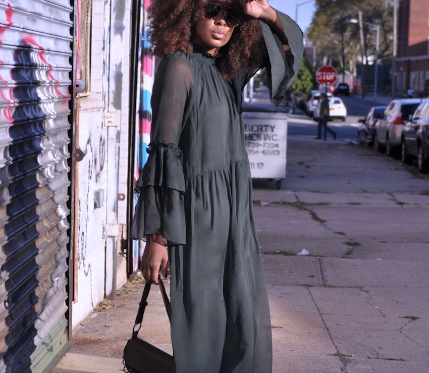 chloe sunglasses with green maxi H&M dress with ruffle sleeves