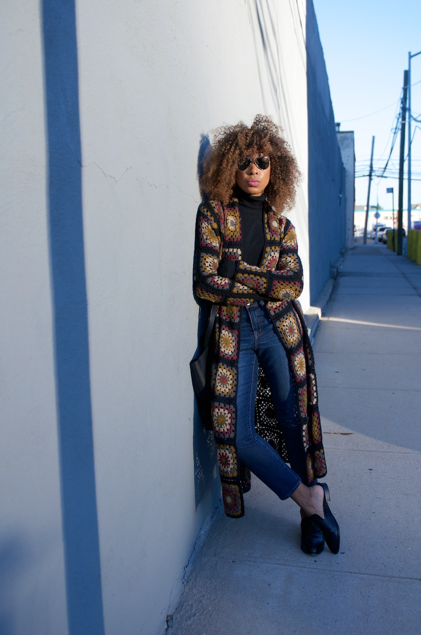 Crochet cardigan, robert clergerie shoes, high rise jeans, madewell jeans, ray ban aviators