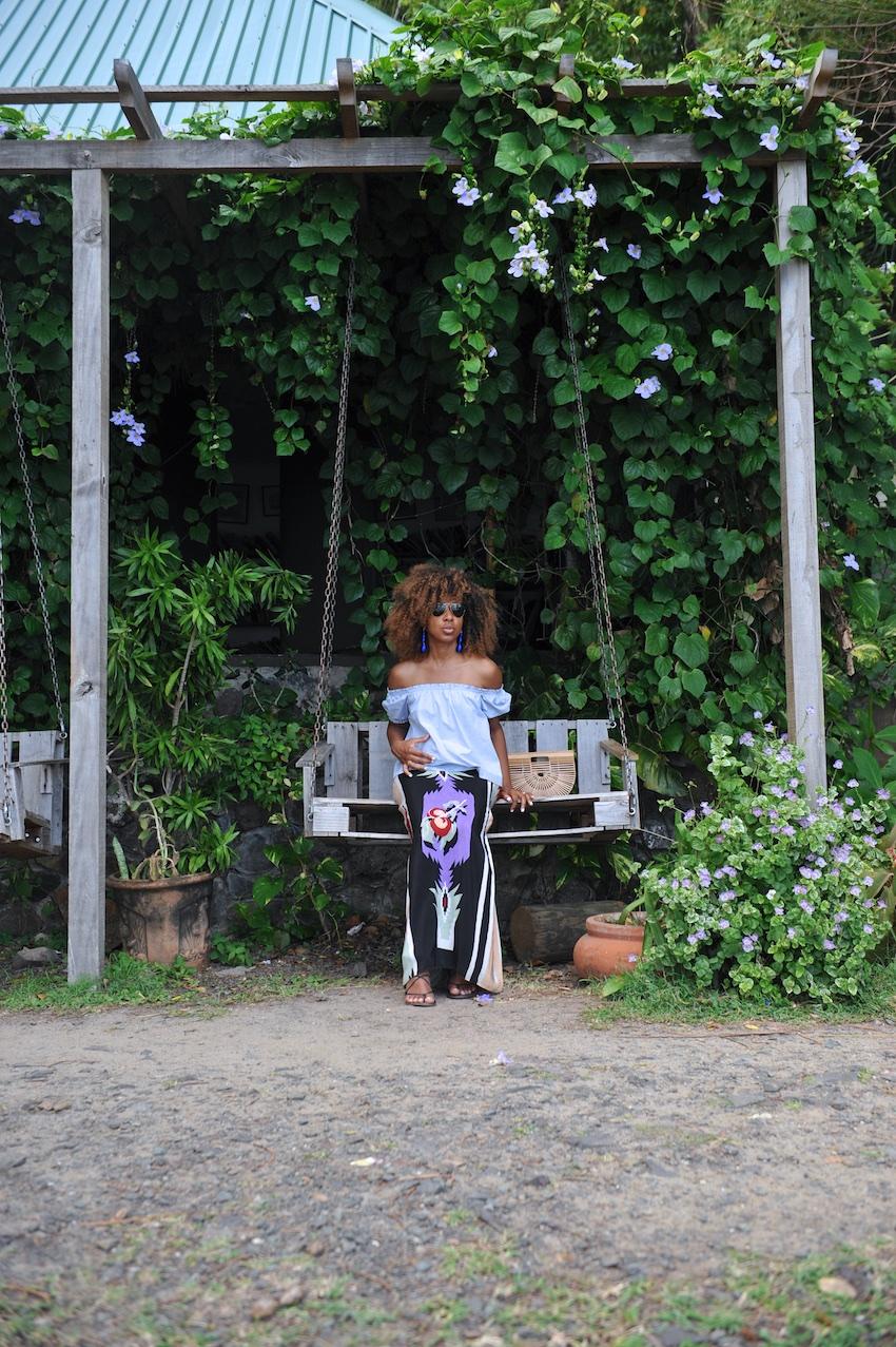 Karen Blanchard the fashion blogger carrying the Cult Gaia ark bag