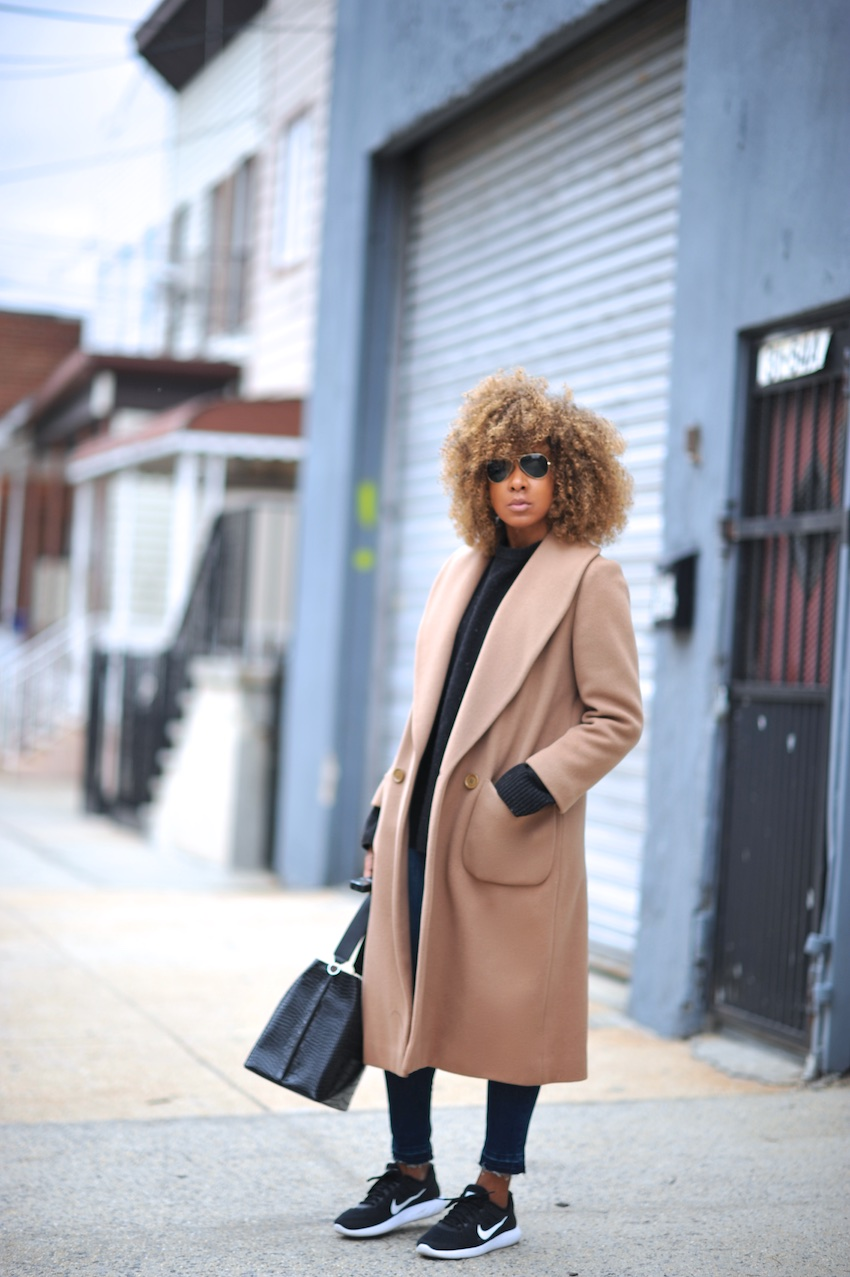 Karen Blanchard the fashion blogger wearing a long vintage camel coat and zara bucket bag