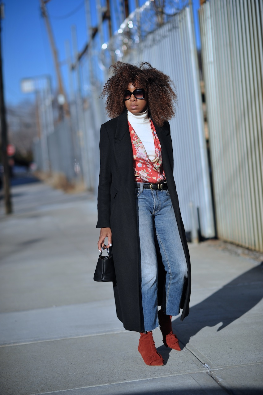 levi vintage jeans and zara red suede bow ankle boots