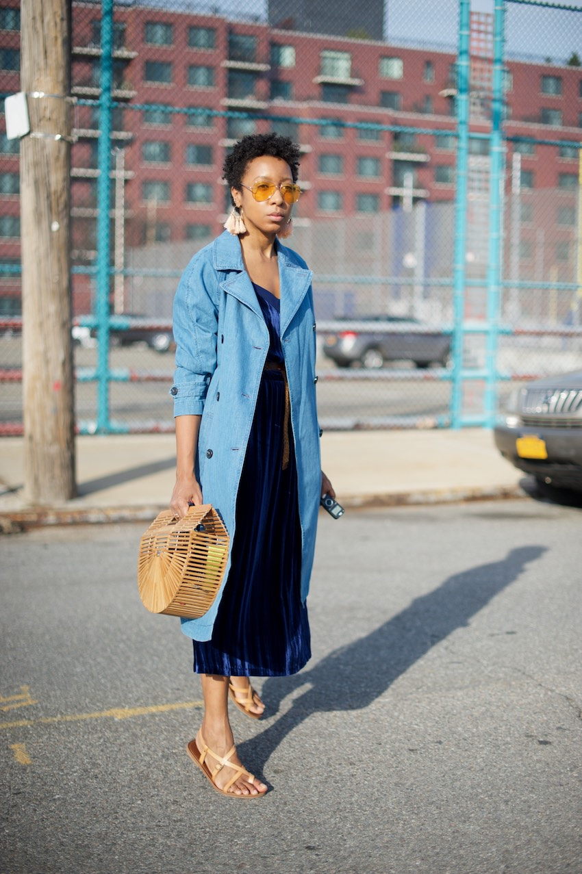 top fashion black blogger Karen blanchard with her natural short hair style and trench coat
