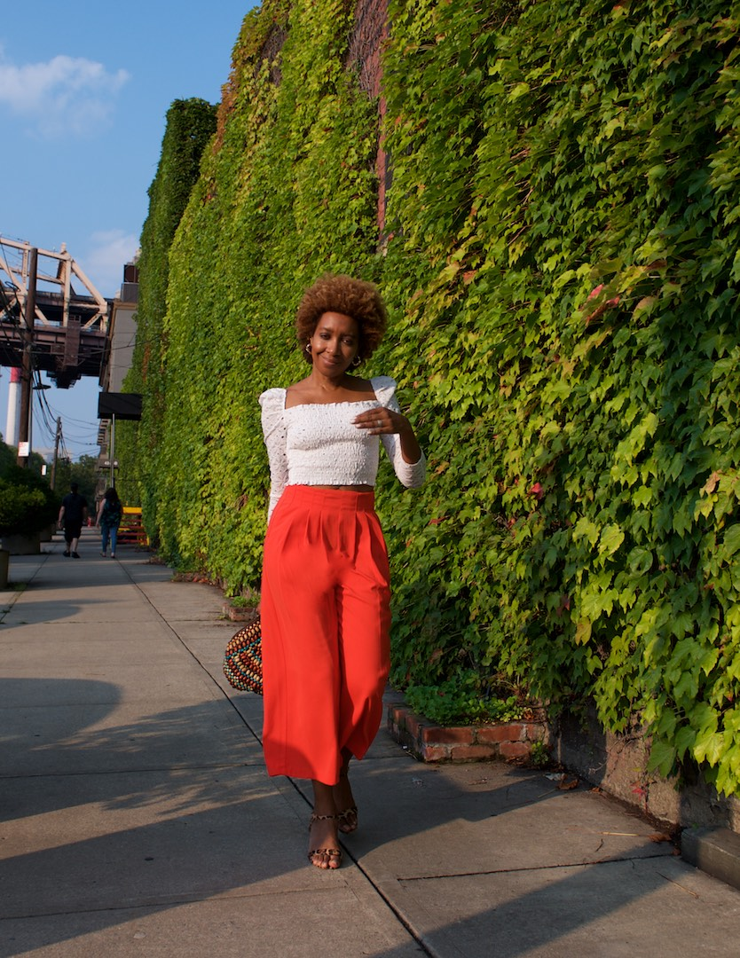 how to style cropped tops
